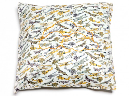 joli coussin imprimé liberty of london broderie nuages-tiliah design paris