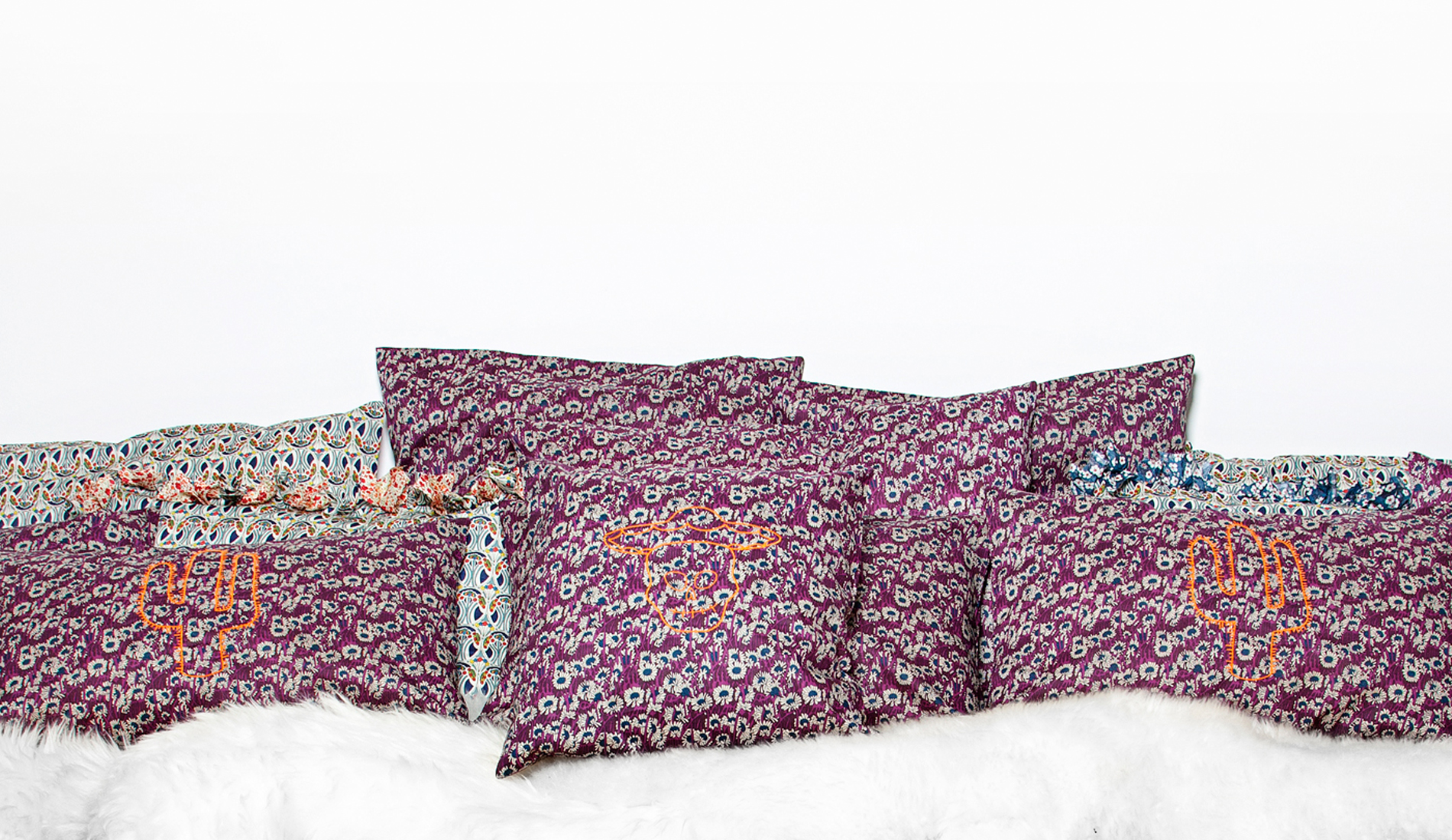 joli ensemble de coussins en coton imprimé liberty made in france-tiliah design paris